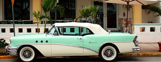 miami-beach-old-car