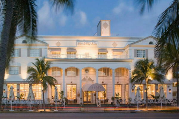 Art Deco Betsy Hotel in Ocean Drive Miami Beach