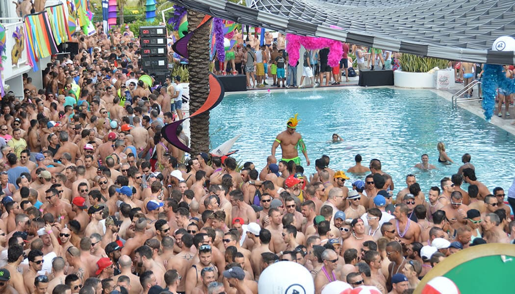 Y Pool Party In Miami Beach